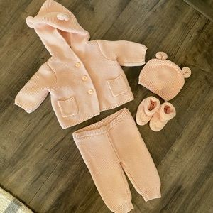 Baby Gap Pink 4 Piece Knotted Set 0-3 months